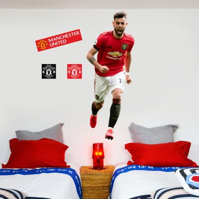 Manchester United F.C. - Bruno Fernandes Celebrating Player Decal + Bonus Wall Sticker Set