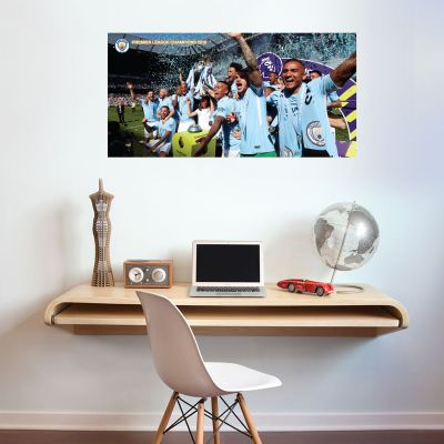 Premier League Champions 2018 - Lifting the Trophy + Wall Sticker Set