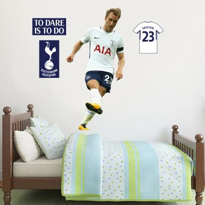 Christian Eriksen Wall Mural & Tottenham Hotspur Football Club Crest Set